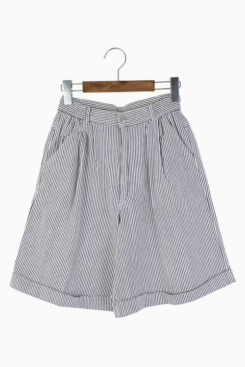 TWO TUCK COTTON SHORTS 리가먼트