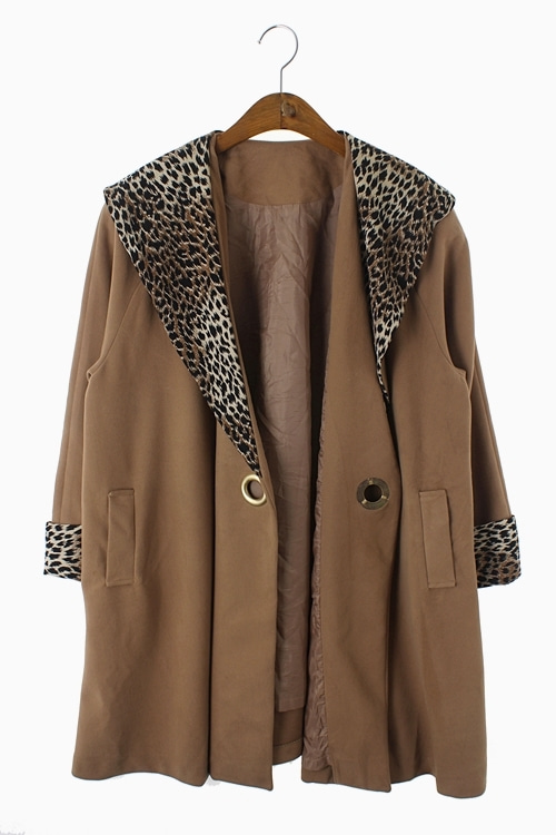 LEOPARD POLY SUEDE EYELET COAT 리가먼트