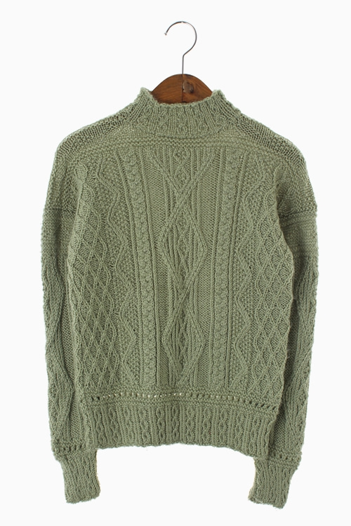 HAND-MADE CABLE KNIT TOP 리가먼트