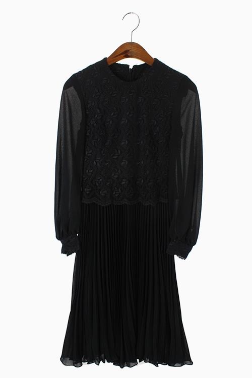 SHOWA DRESS 리가먼트