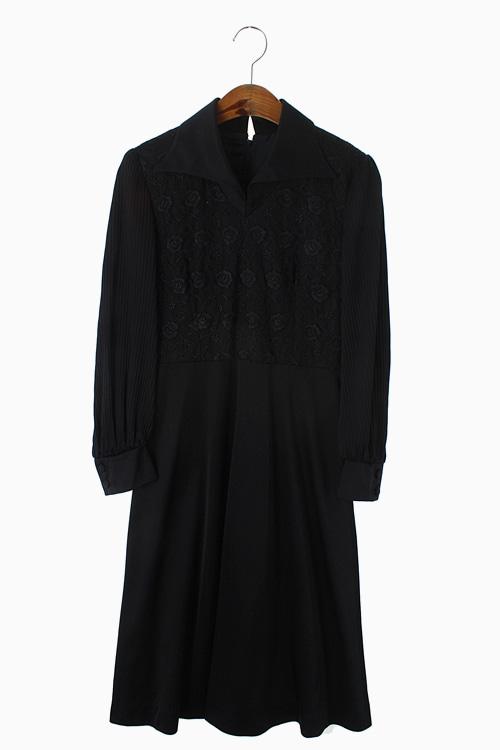 FLORAL LACE PLEATS DRESS 리가먼트