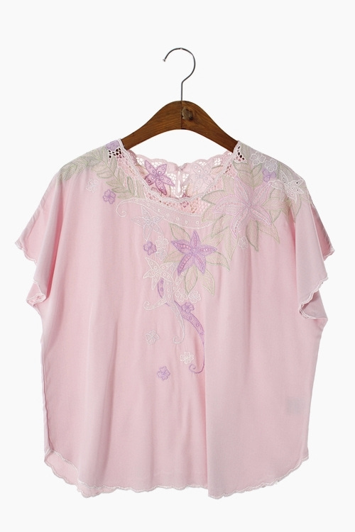 EMBROIDERY RAYON BLOUSE 리가먼트